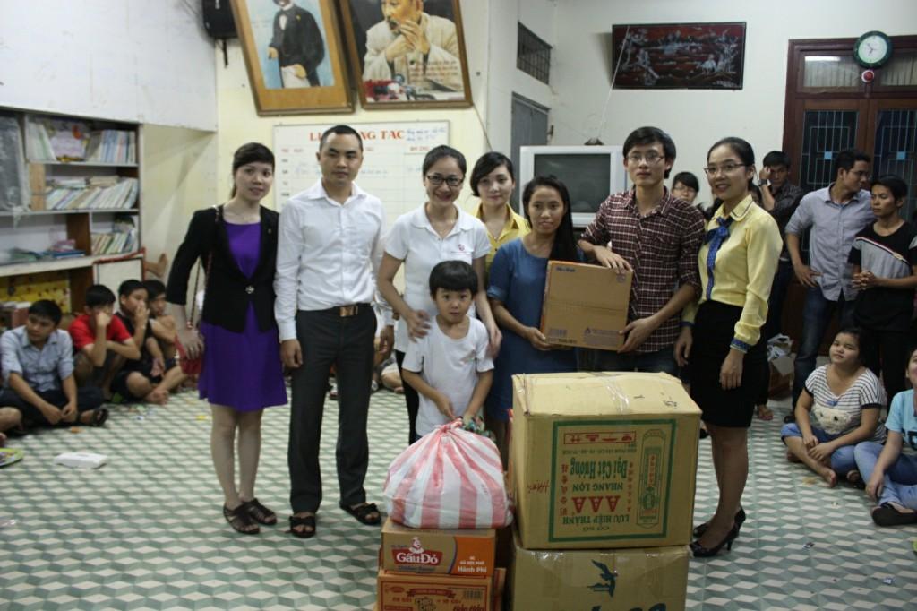Thăm trẻ em khuyết tật - Cộng đồng Đà Nẵng